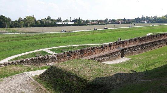 Le Mura di Ferrara: 20180919_133449_large.jpg