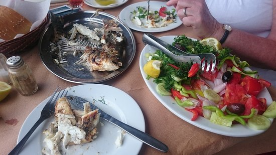 Vivari, Grécia: Lovely grilled sea bass from the iced cabinet