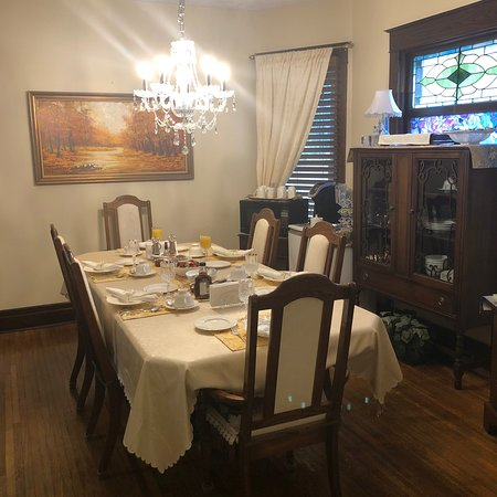 Ambiance by the Falls Bed and Breakfast : photo2.jpg