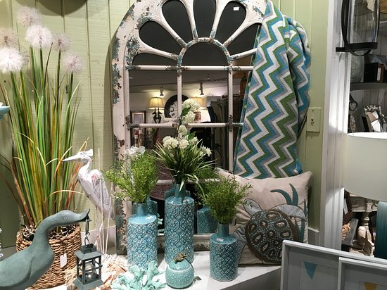 Stuart, FL: This shop has beautiful home decor and unique gifts for every occasion!