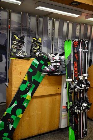 Jgor Ski & More Noleggio Sci