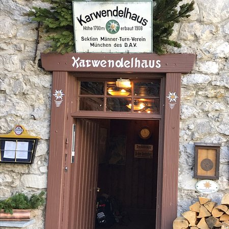 Scharnitz, Austria: Karwendelhaus