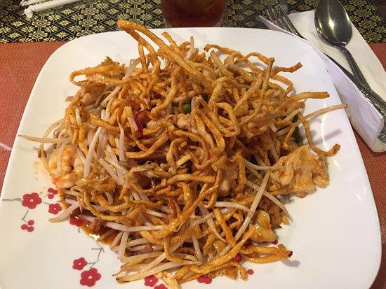 Austell, Georgien: Crispy pad thai; simplemente malo. quizás muy americanizado
