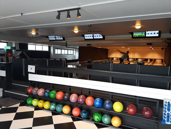 Roros, Norwegia: Bowling, laser tag, snooker, biljard, dart, air hockey...
