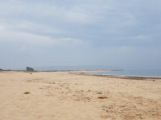 Sendero De Los Acantilados: Playas de fina arena
