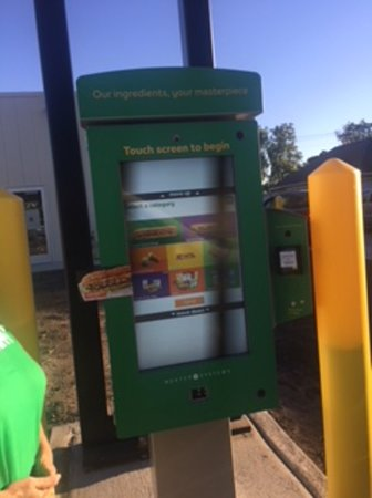Fort Madison, IA: Drive thru kiosk