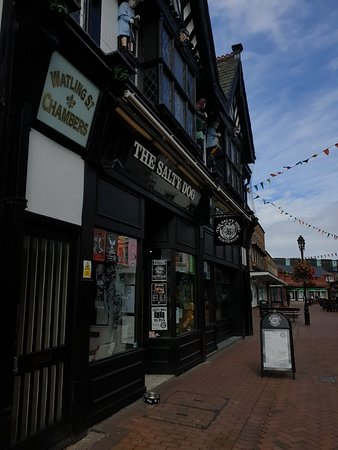 Northwich, UK: Great beer and fantastic live bands