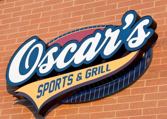 Saline, ميتشجان: Oscar's Sports & Grill