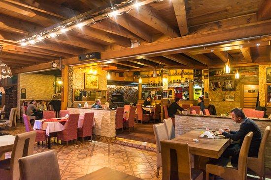 Donji Vakuf, Bosnien und Herzegowina: Inside restaurant
