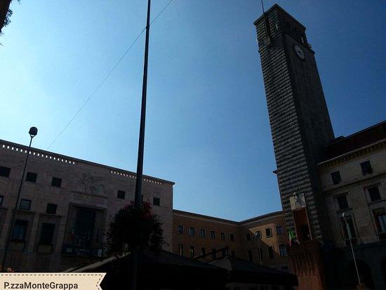 Piazza Monte Grappa