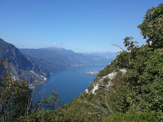 Lecco, Itália: Cartolina dal sentiero 57