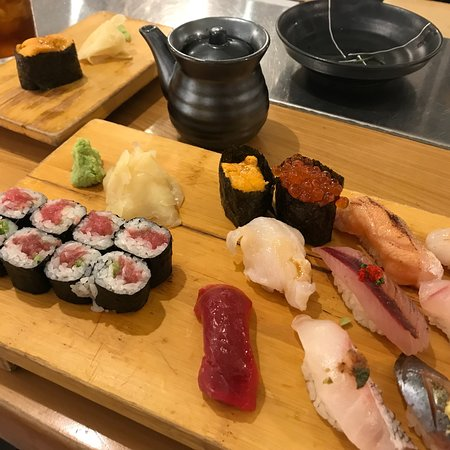 Chelsea Market: Best Sushi Place in town!!! Great oysters!