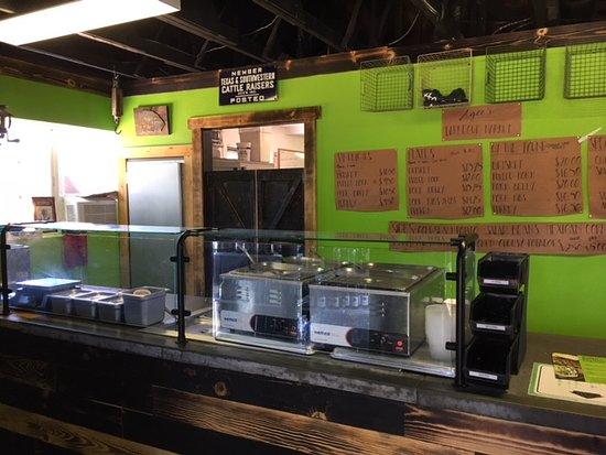 Munds Park, AZ: Inside of restaurant