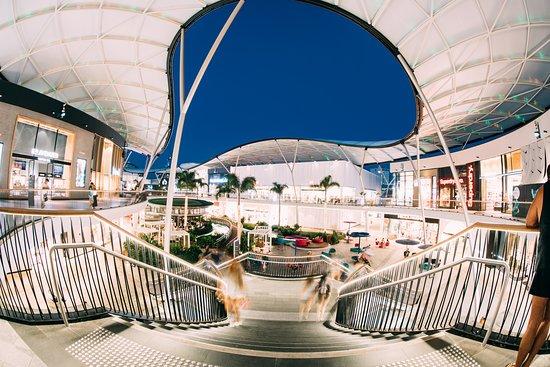 Broadbeach, Australia: Pacific Fair staircase at night