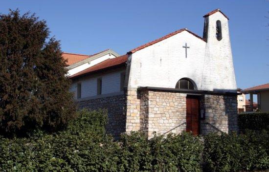 Angera, Italie : Chiesa Sacra Famiglia a Bruschera