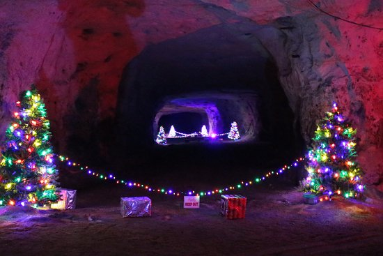 Christmas Cave Picture Of White Gravel Mines Minford