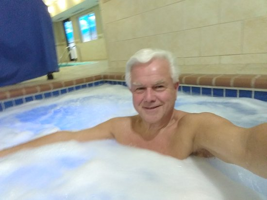 Holiday Inn Express Jamestown: Loved the hot tub