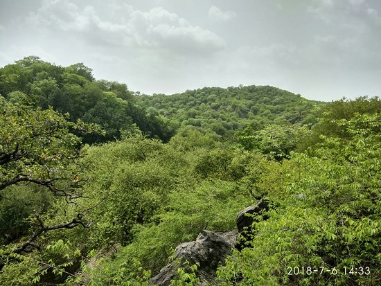 Dudhaleshwar mahadev temple is covered with amazing hills of raoli Todgarh abhiyaran