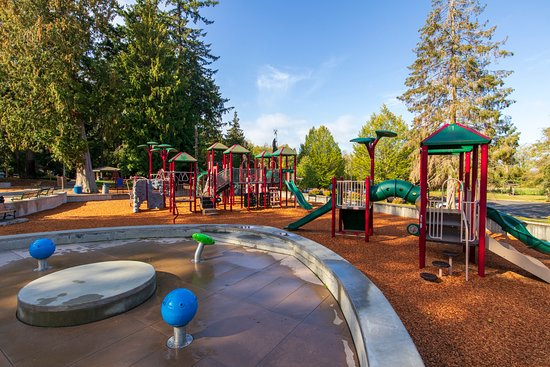 Edmonds, WA: Large play structures