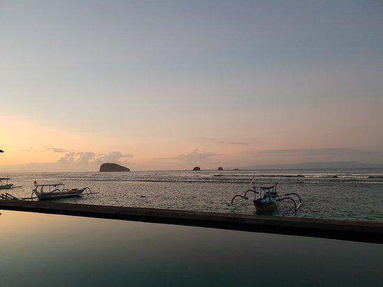 D'Tunjung Beach Resort : 20180903_060630_large.jpg