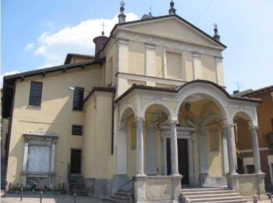 Chiesa Di San Rocco E Beata Vergine Addolorata