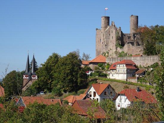 Bornhagen, Germany: Blick auf Kirche und Burg