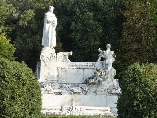 Arezzo, Italië: Stauta Petrarca