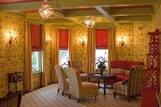 The Beaufort Inn: Lobby