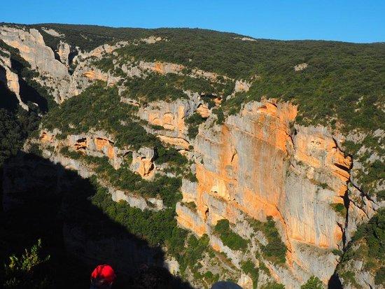 """Colungo, Spain: Barranco del Vero. Abrigos de """"El Gallinero"""""""
