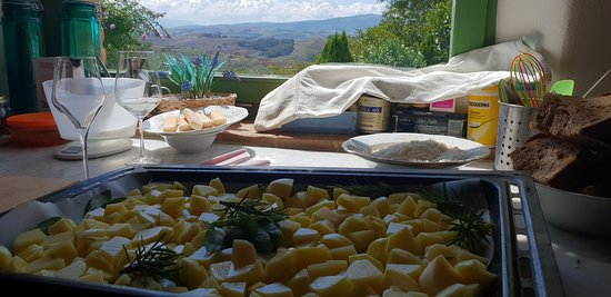Podere Salicotto: the view from the kitchen - cooking course