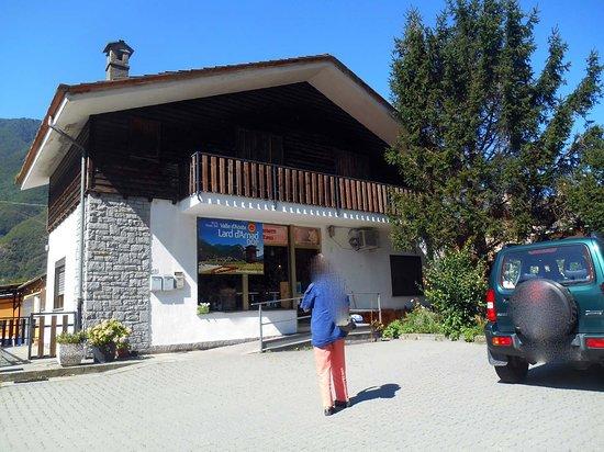 Arnad, Italia: esterno