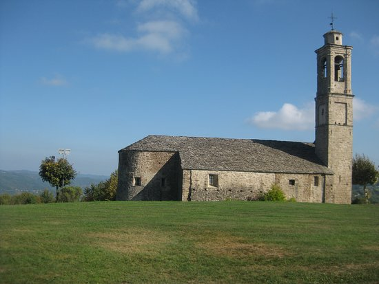 Prunetto, Italie : The church