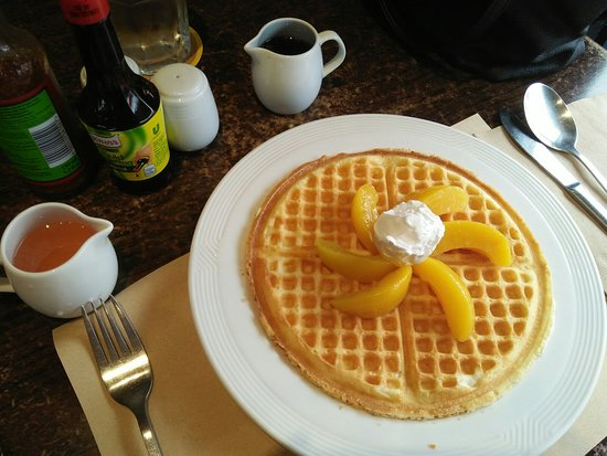 Marilao, Philippines : Pancake House, Petron KM 23, NLEX Northbound, Bulacan - Golden Brown Waffles (1)_large.jpg