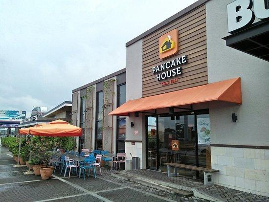 Marilao, Philippines : Pancake House, Petron KM 23, NLEX Northbound, Bulacan (1)_large.jpg