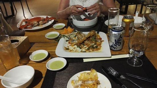 Bai Chay, Βιετνάμ: IMG_20180924_201330_large.jpg