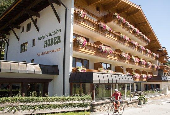 Haupthaus Paterre Empfang Kneipe Und Restaurant Picture Of