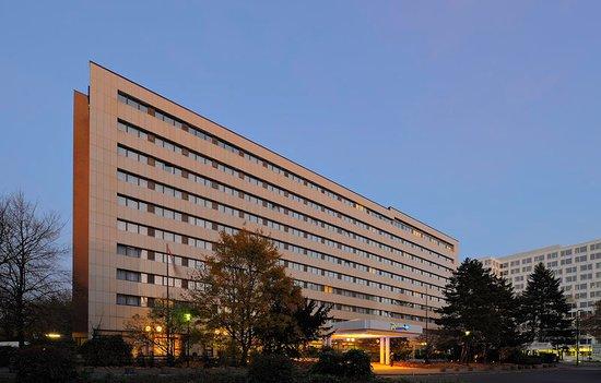 Radisson blu scandinavia hotel d sseldorf ab 68 9 9 for Hotel dusseldorf mit schwimmbad