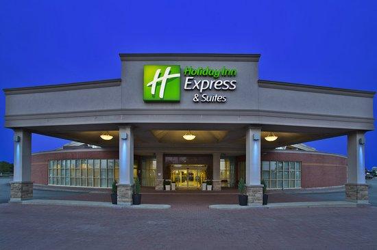Holiday Inn Express & Suites Toronto-Mississauga
