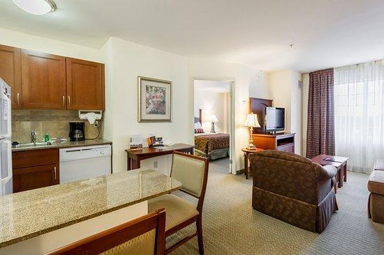 staybridge suites austin airport 140 1 5 0 updated. Black Bedroom Furniture Sets. Home Design Ideas