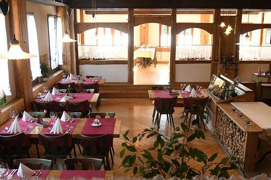 Duernten, Szwajcaria: Ein Teil vom Restaurant