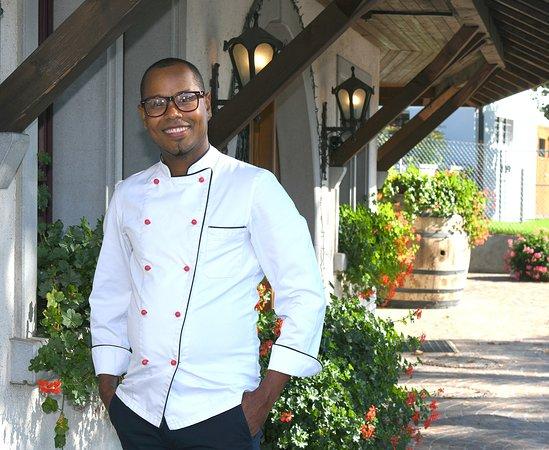 Duernten, Szwajcaria: Ezequiel Medran, Wirt seit Oktober 2018 vom Restaurant Schweizerhof