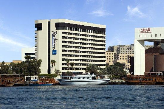 Radisson Blu Hotel Dubai Deira Creek Restaurants