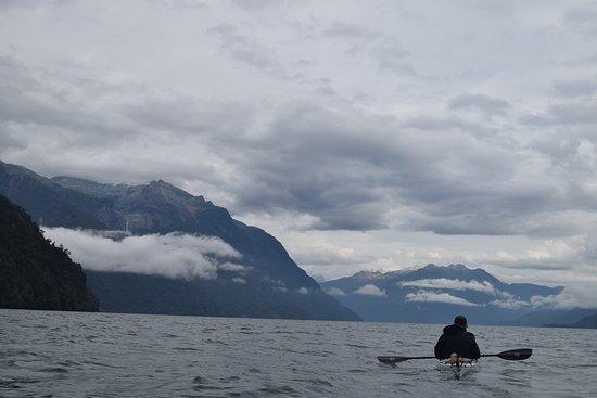 Alsur Expediciones: Fiordo Comau y su tranquilidad..