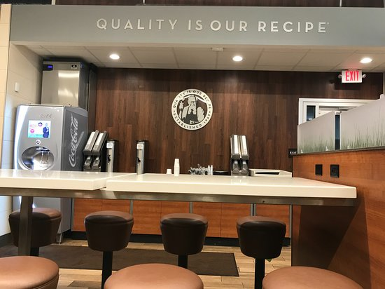Streetsboro, OH: Counter height table and stools