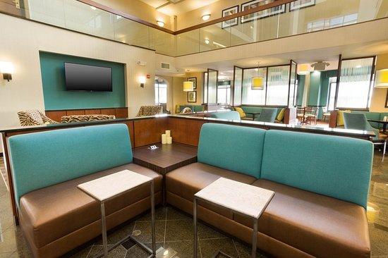 Drury Inn & Suites St. Louis Southwest: Lobby