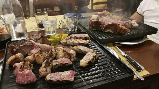 Istia d'Ombrone, Italy: Osteria del Villano - Costata
