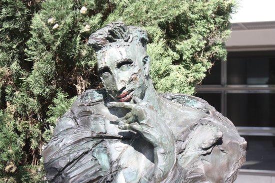 Sculpture Les Hommes de la Cite