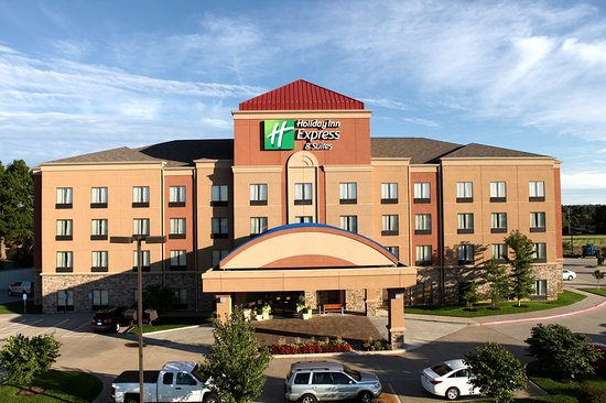Holiday Inn Express & Suites - Medical District: Exterior