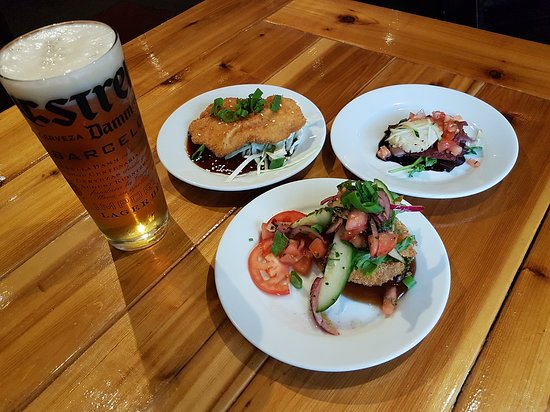 Estrella draught + 3 mouth-watering appetizers at One Duke