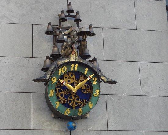 Horloge a 11 heures